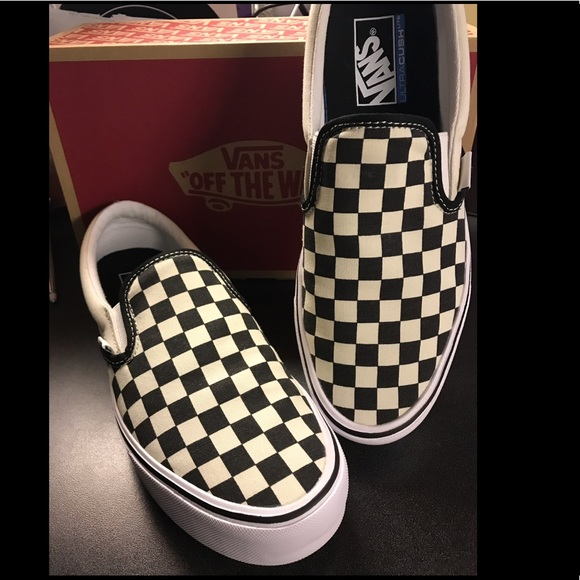 vans checkerboard slip on lite